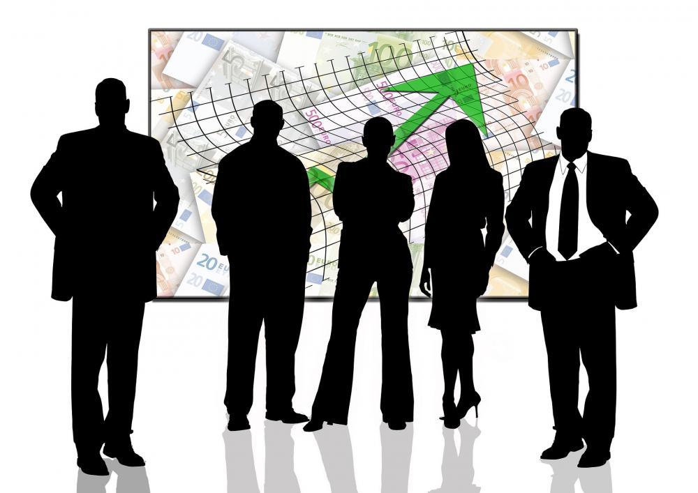 businessmen-593751_1920.jpg
