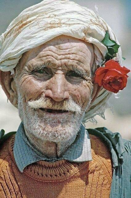 202333-photo-magnifique-d-un-vieux-paysan-algerien.jpg